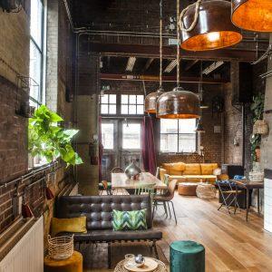 The Lounge Yogi Hereos