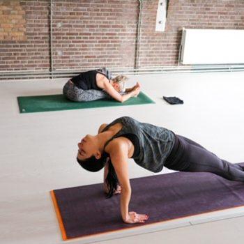Ashtanga Yoga lessen bij yogaschool in Hilversum Yogi Heroes